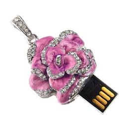 Оригинальная подарочная флешка Present FLW05 32GB Pink (разноцветные розы без стебля и камнями на лепестках)