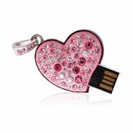 Оригинальная подарочная флешка Present HRT31 32GB (розовое сердце со стразами, без блистера)