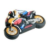 Оригинальная подарочная флешка Present MEN25 128GB (мотоциклист на спортивном мотоцикле)