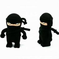 Оригинальная подарочная флешка Present MEN44 08GB Black (ниндзя в черном костюме, без блистера)