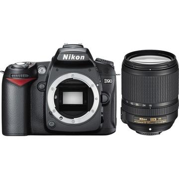 Nikon D90 Kit 18-140mm VR Black