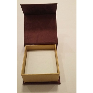 Коробка Present Paper FB1105 Bordo Gold (картон, на магните, 65х63х35мм)